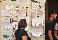 Stop agli annunci disordinati in città (archivio)