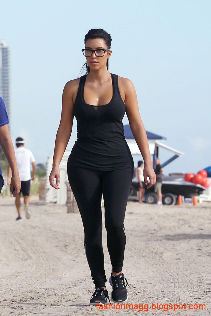Kim-Kardashian-on-the-Morning-Walk-on-a-Beach-in-Miamii-Photoshoot-8