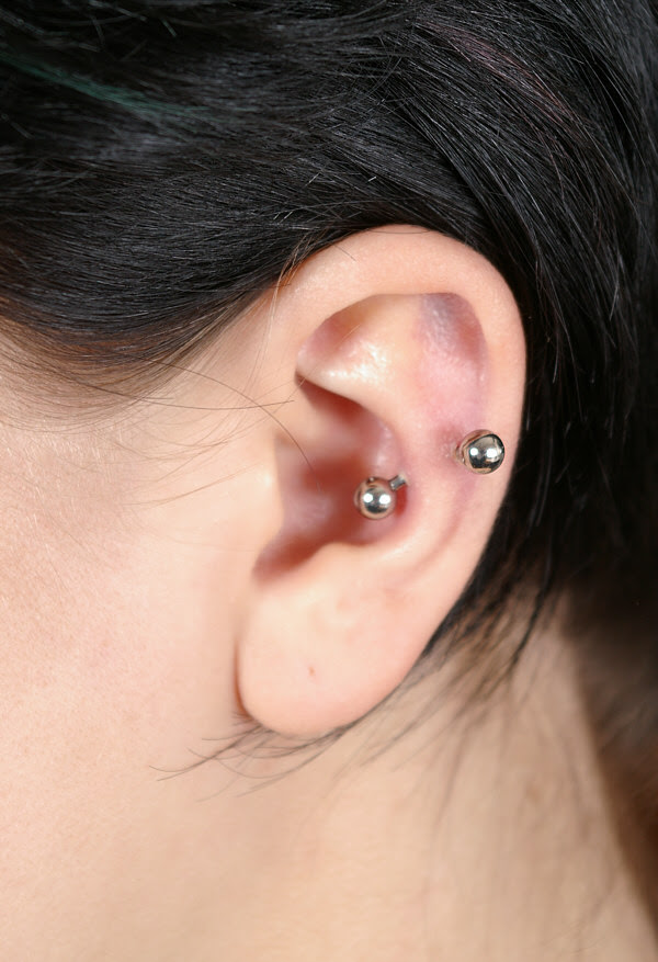 The Snug Piercing A Stylish In Ear Cartilage Piercing