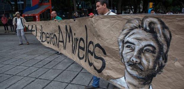 Simpatizantes de Mireles piden su liberación en la Ciudad de México. Foto: Octavio Gómez