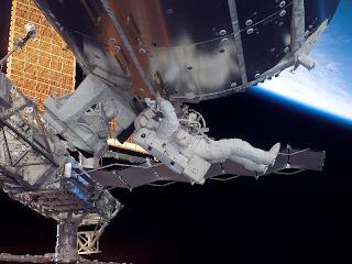 Entre el espacio y la Tierra