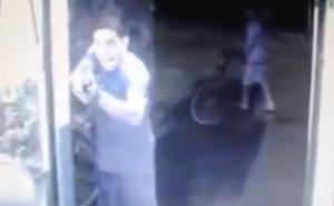Vídeo muestra como agente del OIJ, en su día libre, defiende comercio en Guápiles y mata a asaltante