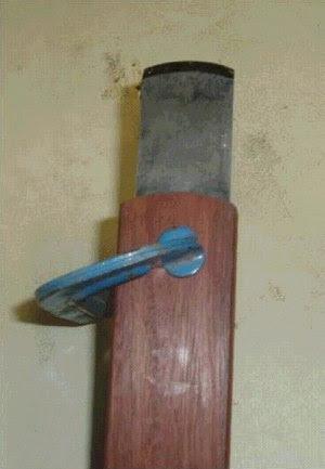 lâmina presa ao molde