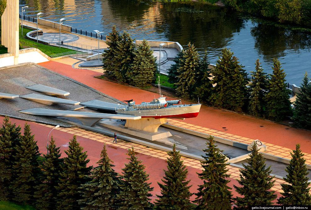 Памятный знак морякам-балтийцам