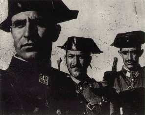 Garda Civil Española por Eugene Smith