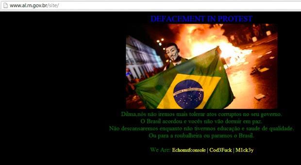 No lugar da páginal inicial foi colocada uma mensagem para a presidente Dilma (Foto: Reprodução/Assembleia Legislativa)