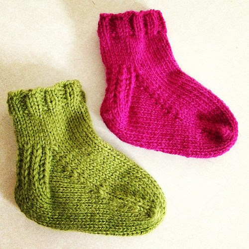 Finished the toe up TAAT sample socks. Now I just need to find a two year old without any color sense :) #knitting #sock