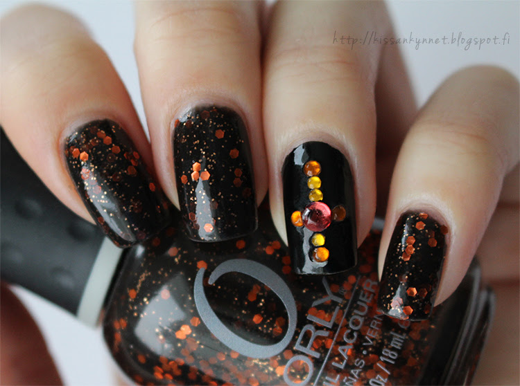 Cross nails2