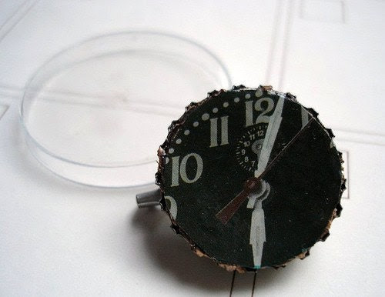 Ticking Clock Bottlecap Brooch