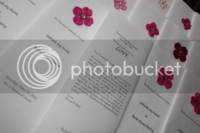 DIY Wedding Programs - Breezy Pink Daisies
