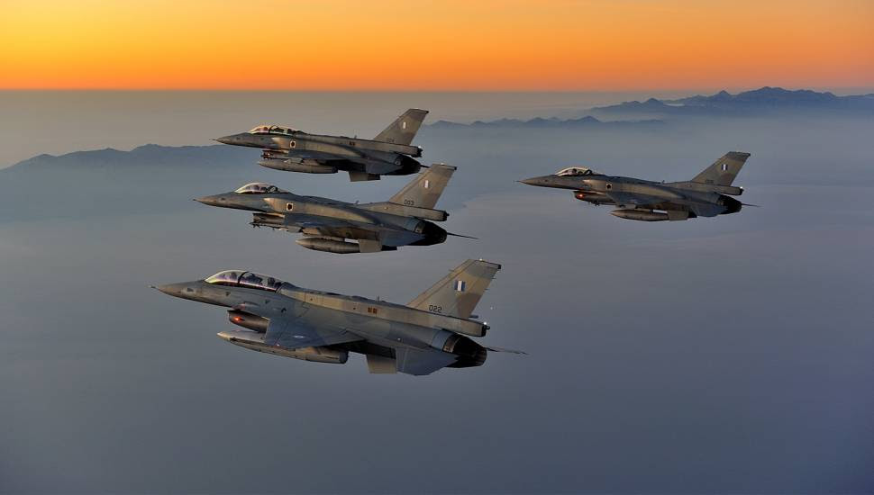 Πολεμική Αεροπορία: Τα φτερά σκεπάζουν και τη Βουλγαρία