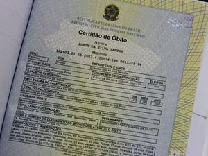 Certidão de óbito atesta que idosa morreu em São Paulo, em 2003 (Foto: Raimundo Mascarenhas/Calila Noticias)