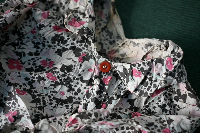 late 30s floral smock coat