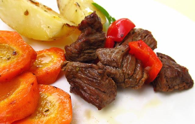 Carne com cenoura e batata
