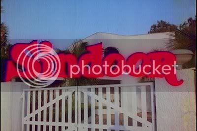 http://i347.photobucket.com/albums/p464/blogspot_images1/Sindoor/PDVD_002.jpg