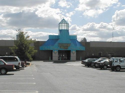Seaview Square Mall before demolition