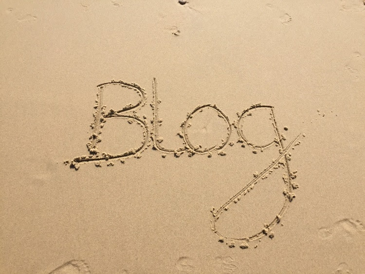 How to keep your blog traffic incoming while you