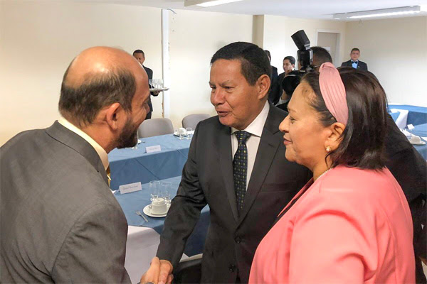 Resultado de imagem para hamilton mourão em encontro governadores no RN