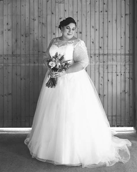 Custom plus size wedding gowns for fuller figured women in