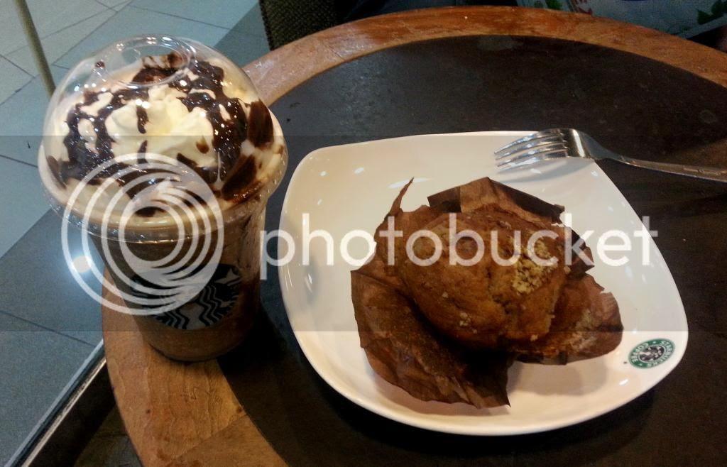 photo StarbucksCoffeeShawCentre01.jpg