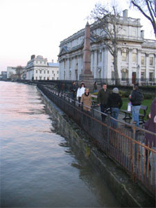 Boxing Day 2007 - high water at Greenwich