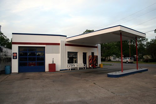 garage view of eagle lake service station