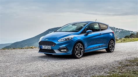 ford fiesta st  door   wallpaper hd car