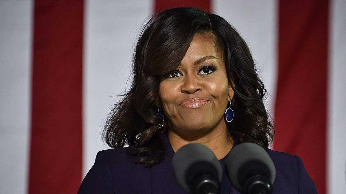"""""""Chimpancé con tacones"""", el insulto racista a Michelle Obama que le ha costado el puesto a una alcaldesa"""