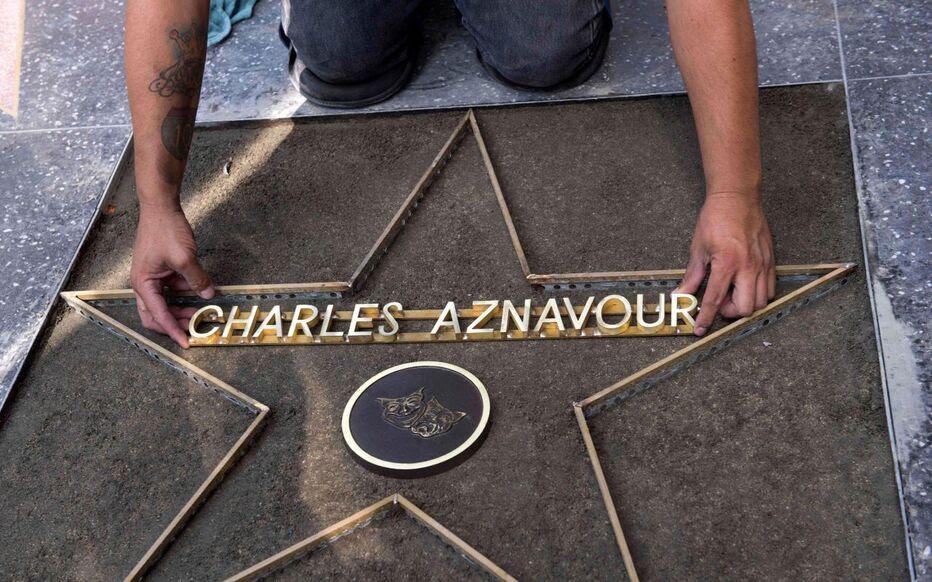 Qui Seront Les Voisins Daznavour étoilé Sur Hollywood