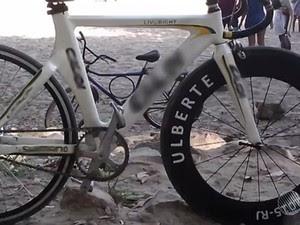 Bike adaptada é avaliada em R$ 30 mil (Foto: Reprodução/TV São Francisco)