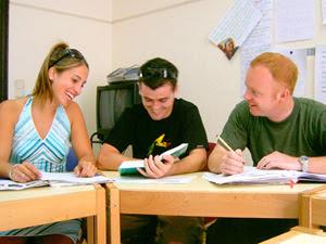 Γυμνάσιο σχολείο με καθηγητές… τους μαθητές του!