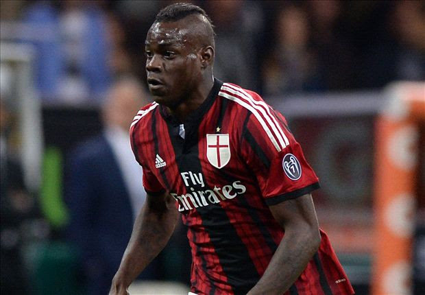 Wenger to hold Balotelli talks