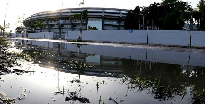 maracanã estragos da chuva de sexta-feira (Foto: André Durão)