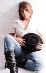 alyson Raynes-author picture