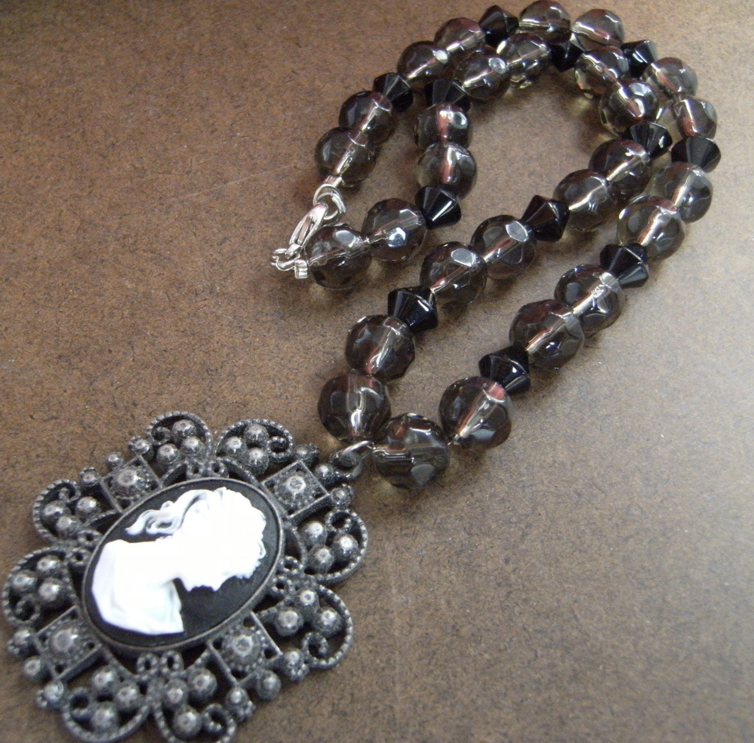 Lady in Waiting Cameo Beaded necklace