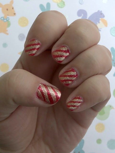 Christmas stripes nail art