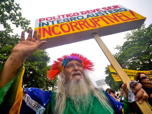 marcha contra corrupção (Foto: Mauro Pimentel/AE)
