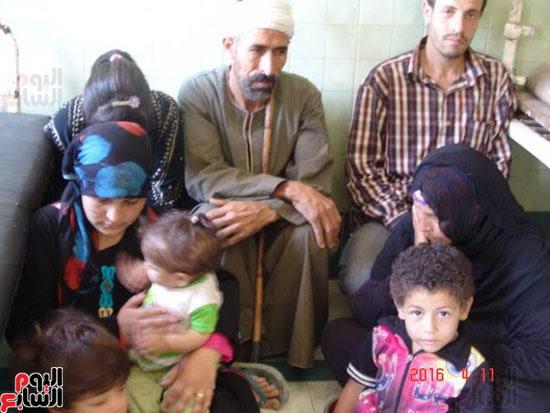 إضراب أسرة عن الطعام بأبو تيج (1)