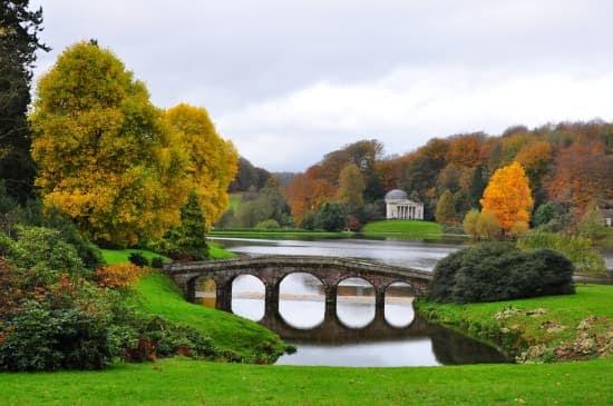 """Résultat de recherche d'images pour """"le jardin de Stourhead"""""""