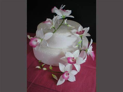 Sugar Flowers Cake Decorating