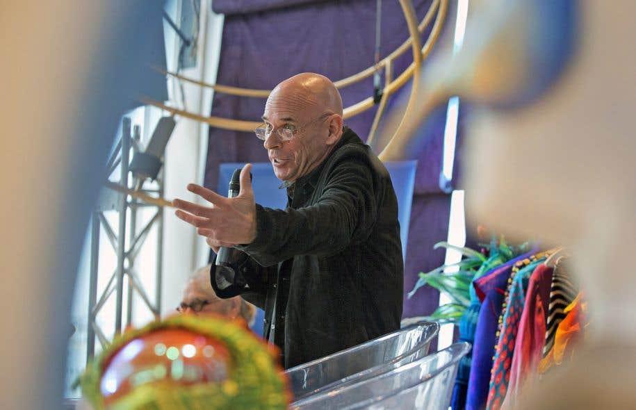 Guy Laliberté a voulu «dédramatiser» l'arrivée d'intérêts étrangers au Cirque du Soleil en rappelant que les Américains possédaient des parts importantes dans des fleurons québécois comme Alimentation Couche-Tard, Bombardier et la brasserie Molson.