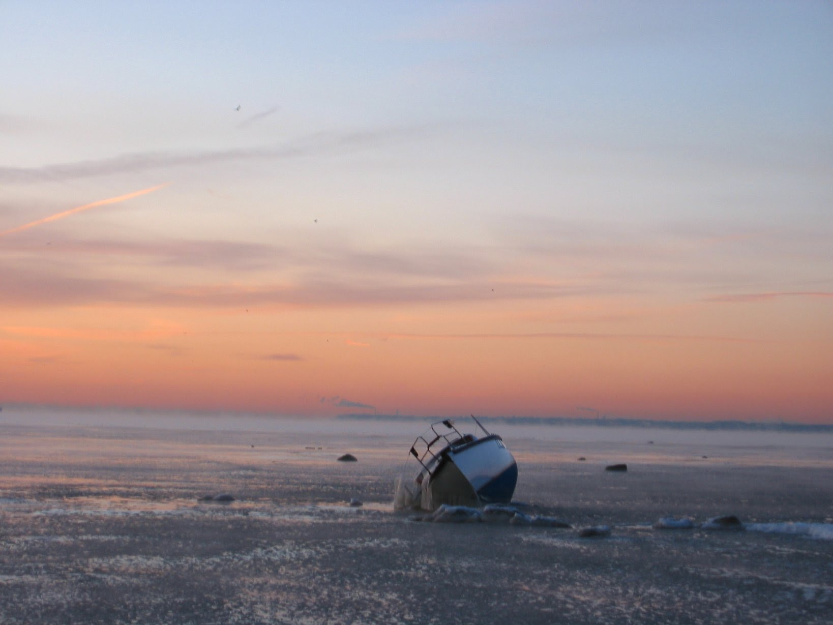 Beached Milwaukee Sailboat - with mast removed during cold Lake Michigan sunrise - 12-06-2007 -- soul-amp.com