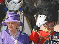 La Reina Isabel II y su esposo, el Duke de Edimburgo.