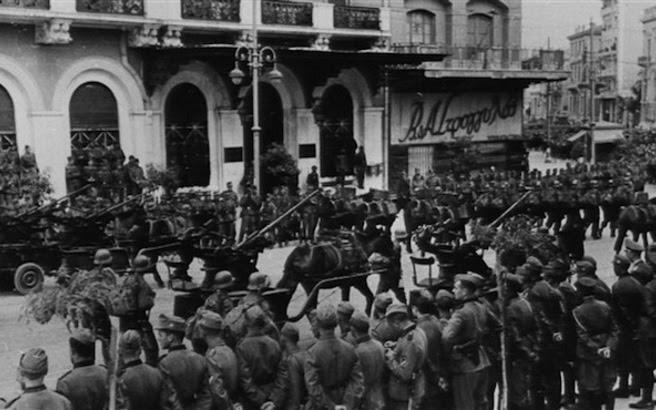 Σαν σήμερα το 1941 οι Γερμανοί εισέβαλαν στην Αθήνα