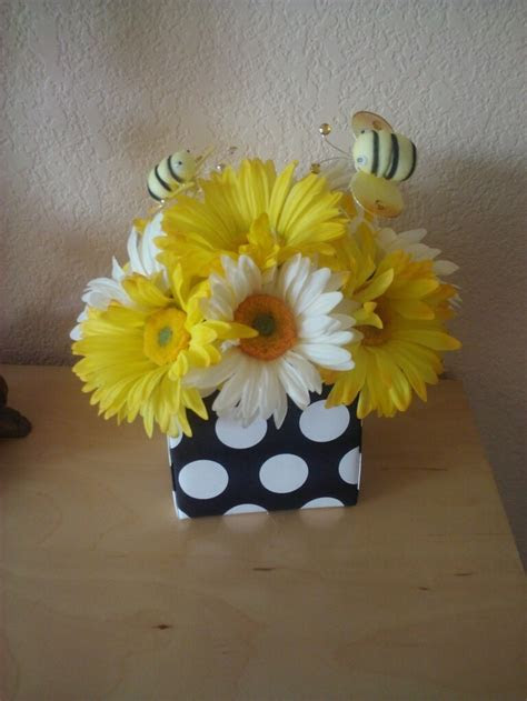 63 best images about BEE on the way Baby Shower