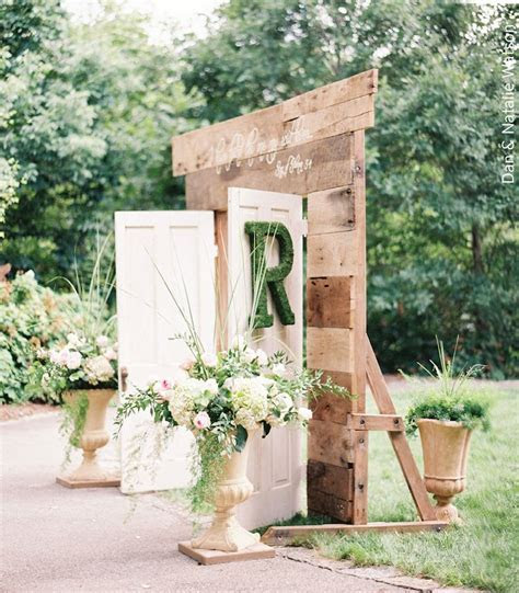 Vintage Rentals Wedding Inspiration   Ceremony Decor Ideas