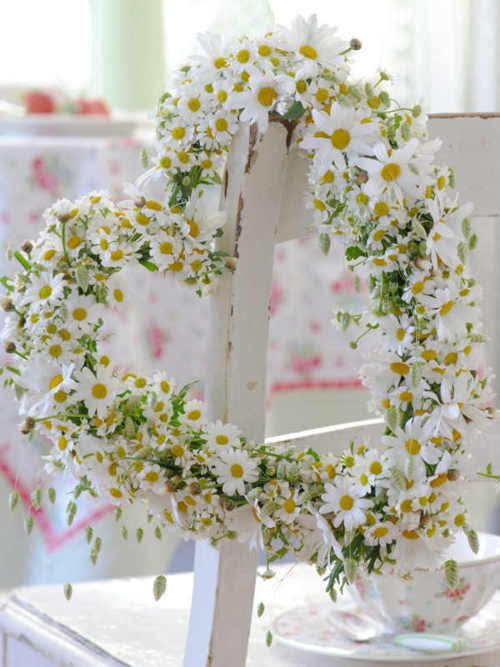daisy heart wreath