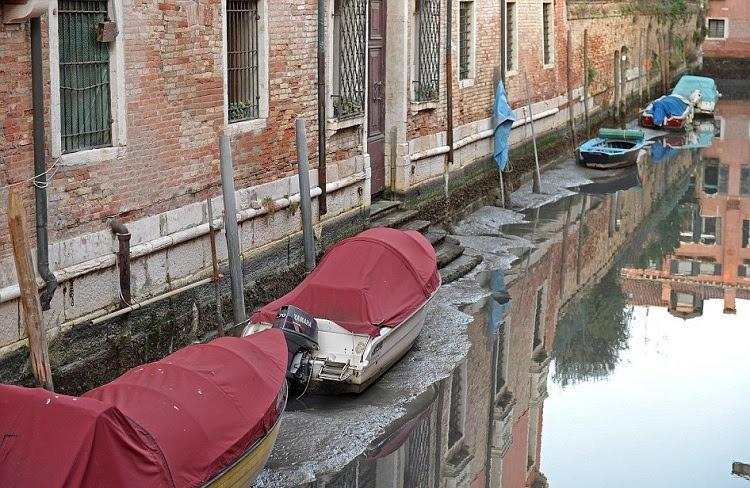 perierga.gr - Η Βενετία έχει λιγότερο νερό από ποτέ!