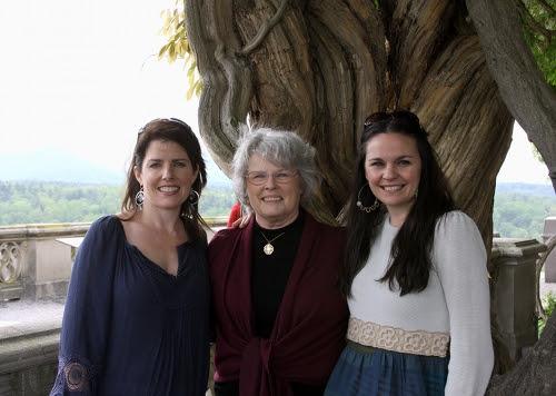 with.mama.and.sis