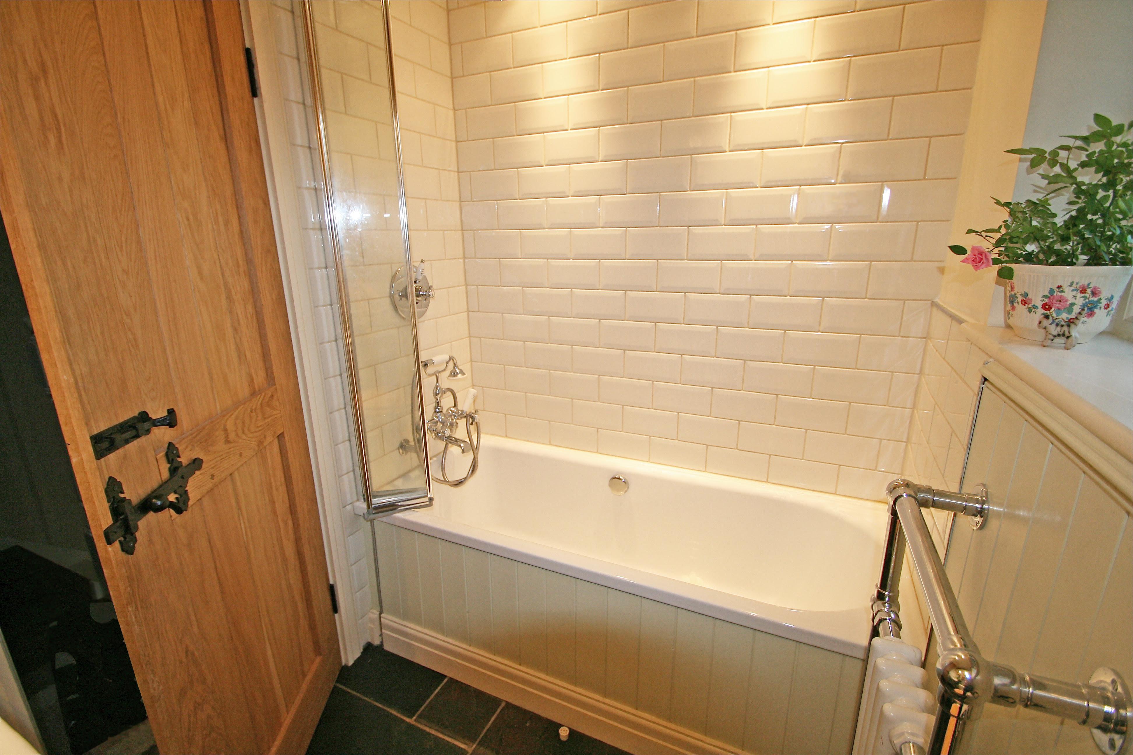 31 Perfect Bathroom Tiles Cream